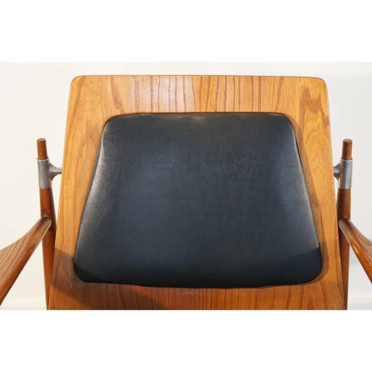 Rare Pair of Mid-Century Modern Red Elm Chairs 6