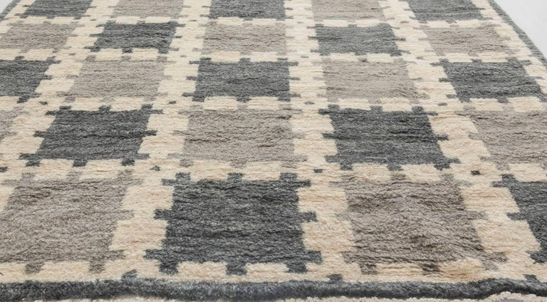 Indian Scandinavian Design Geometric Gray Hand Knotted Wool Pile Rug For Sale