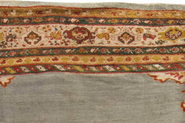 Antique Persian Sultanabad Rug In Good Condition For Sale In New York, NY