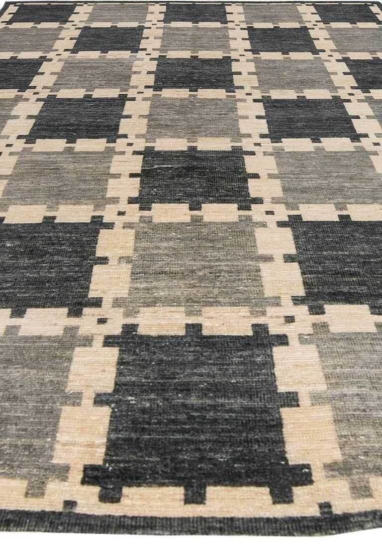 Gray Swedish Pile Rug In Excellent Condition For Sale In New York, NY