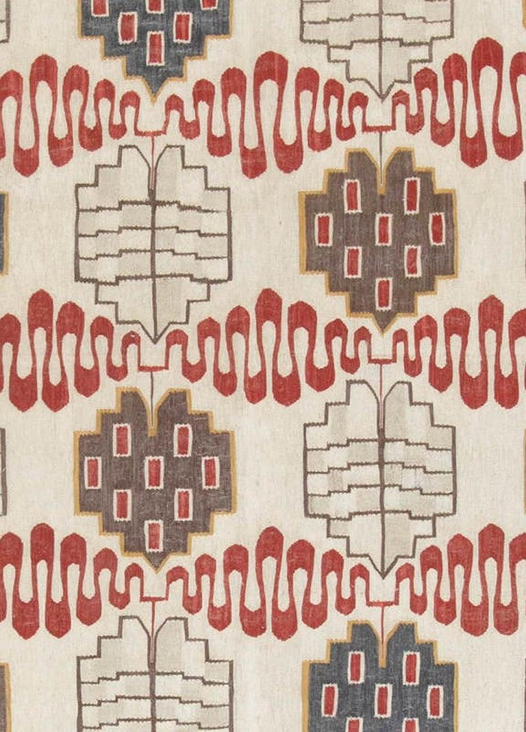 Hazel geometric rug Size: 13'6