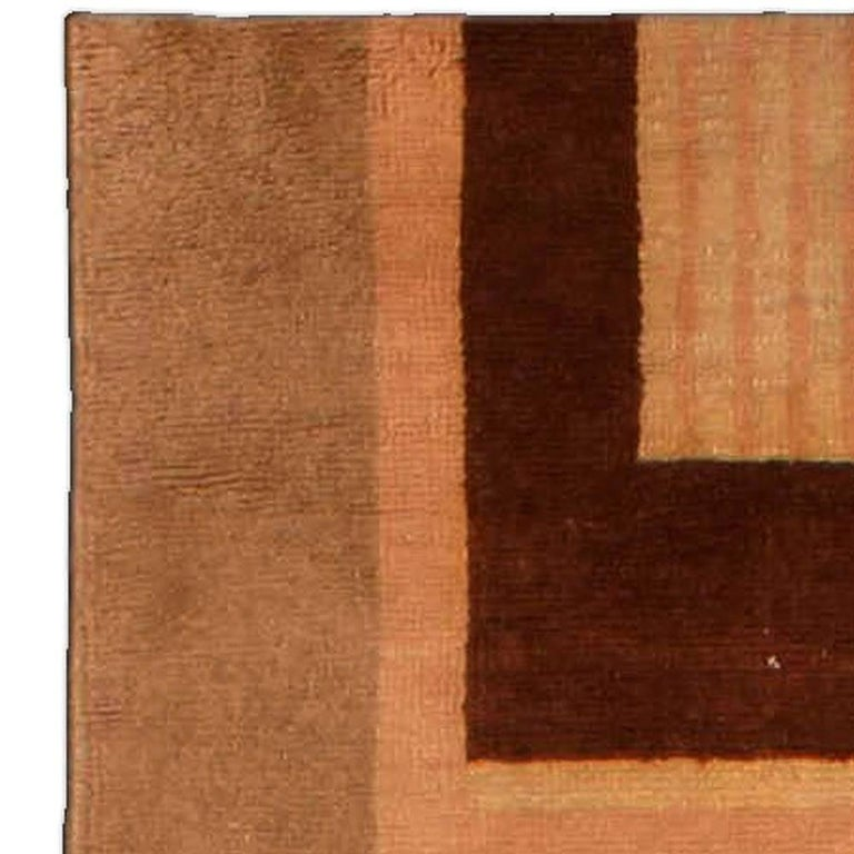 Early 20th Century Art Deco Decorative Area Rug In Good Condition For Sale In New York, NY