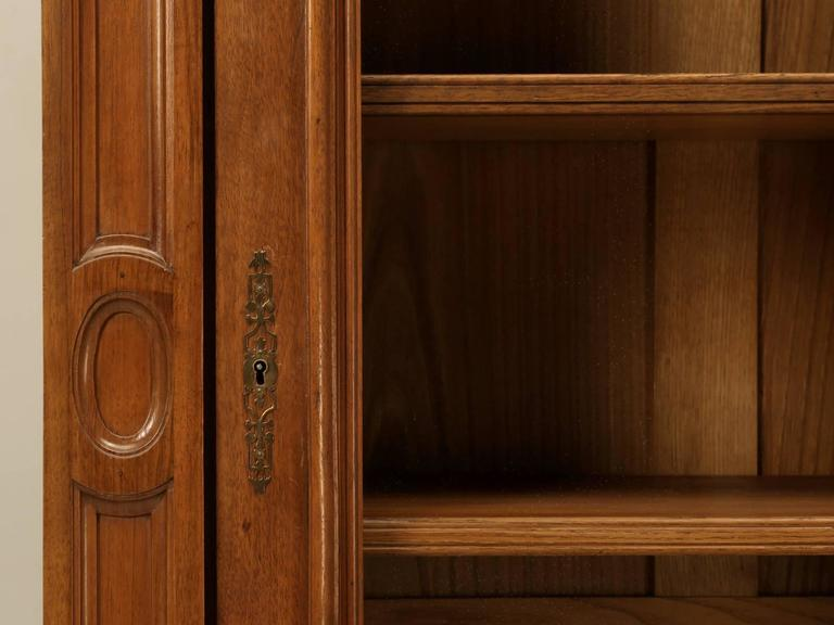 Antique French Bookcase in Solid Walnut For Sale 2