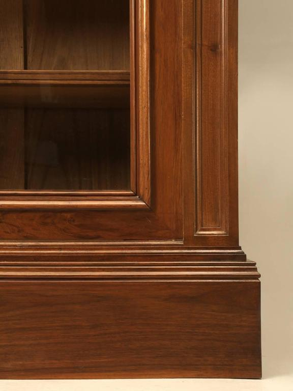 Antique French Bookcase in Solid Walnut For Sale 4