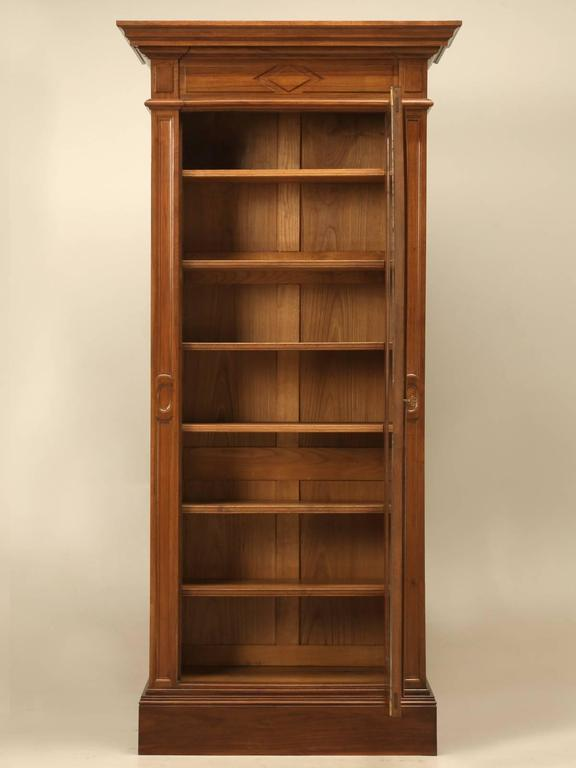 Antique French Bookcase in Solid Walnut For Sale 5