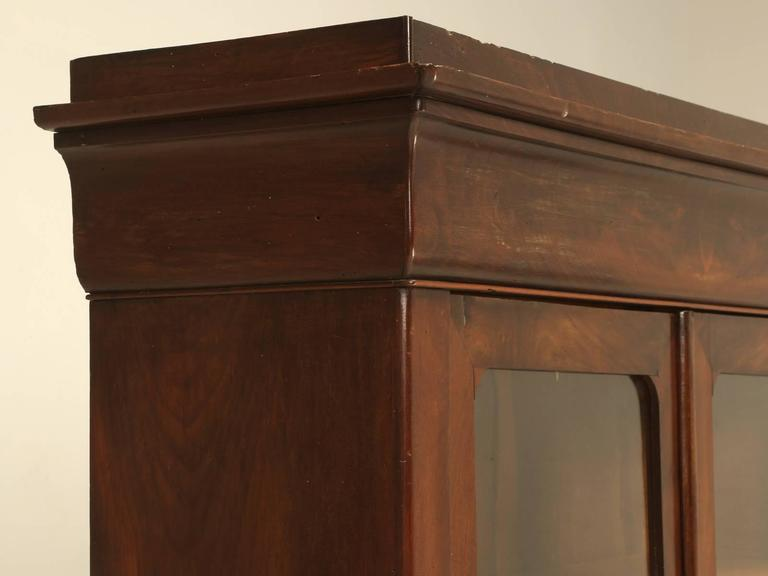 Antique French Louis Philippe Style Bookcase In Good Condition For Sale In Chicago, IL