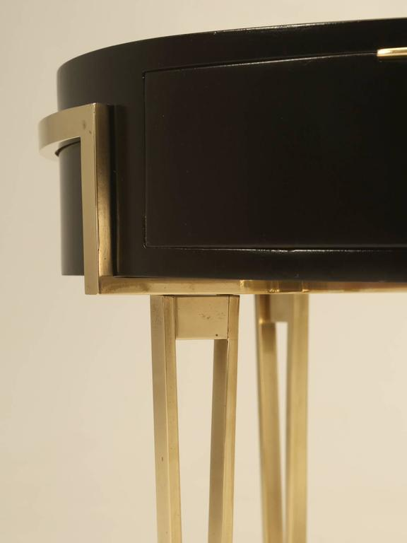 Mid-20th Century Pair of Ebonized Mid-Century Modern End or Side Tables For Sale