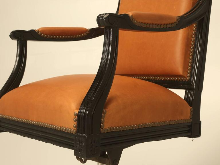 French Louis XVI Style Desk Chair Done in Ebony and Saddle Leather For Sale 1
