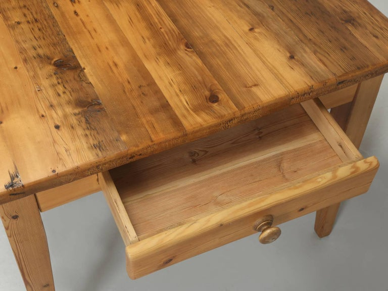 Late 20th Century English Pine Farm Table from the Main Pine Company, England For Sale