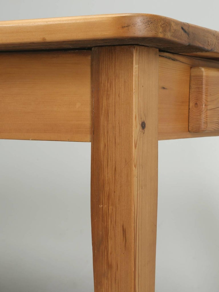 English Pine Farm Table from the Main Pine Company, England For Sale 4