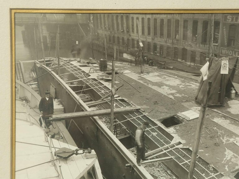 1915 Eastland Disaster in the Chicago River, Original Photograph In Good Condition For Sale In Chicago, IL