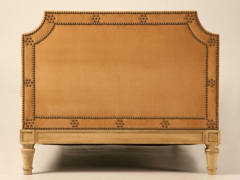 Custom Old Plank Upholstered Daybed Made to Order in our in House Workshop In New Condition For Sale In Chicago, IL