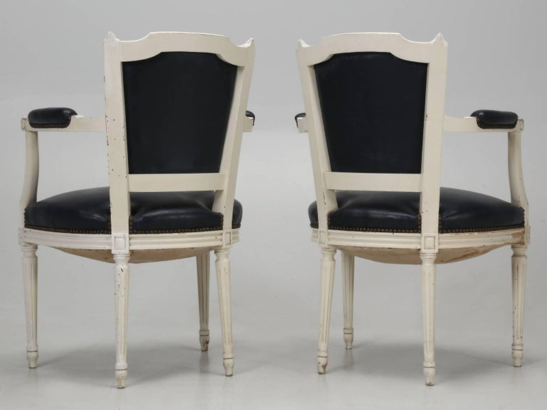 Set of Eight Louis XVI Style French Dining Chairs For Sale 15