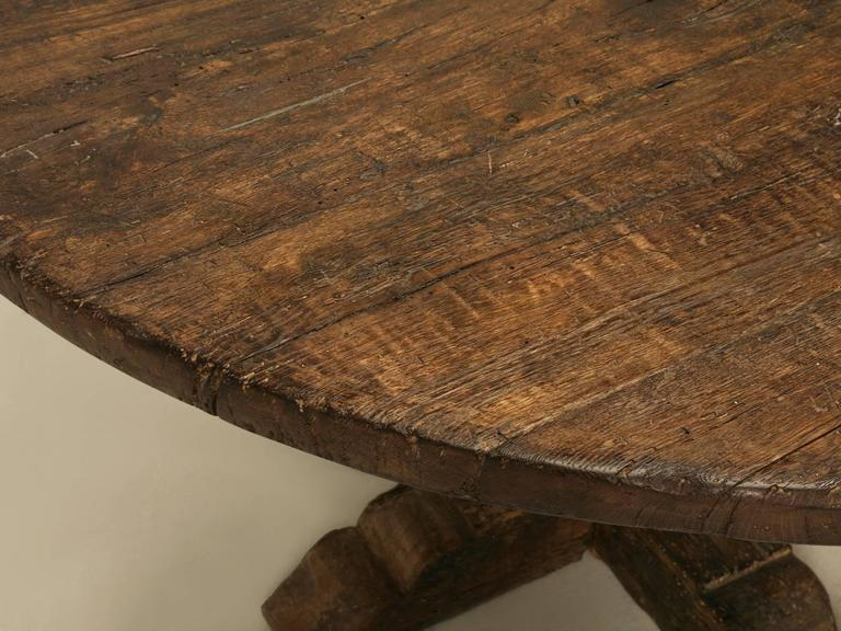 20th Century Italian Round Dining Table For Sale