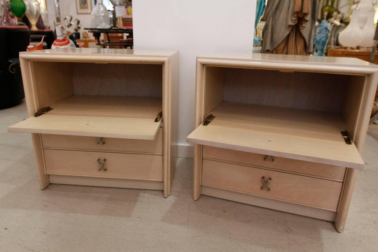 Pair of Paul Frankl Midcentury Modern Bedside Tables, 1950s 3