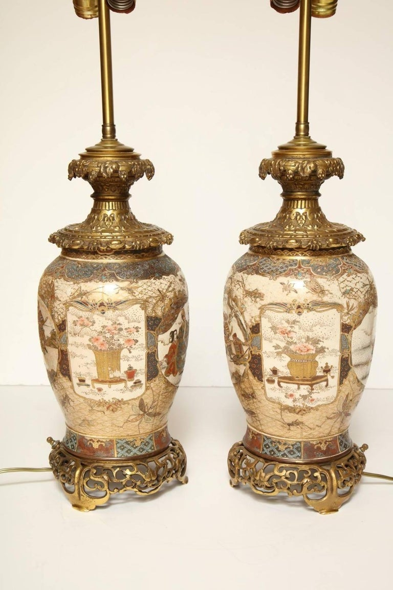 Pair of Japanese Bronze-Mounted Satsuma Table Lamps For Sale 1