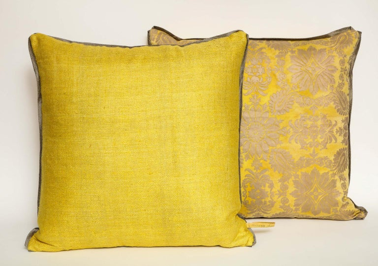 Fortuny Fabric Cushions in the Impero Pattern In Excellent Condition For Sale In New York, NY