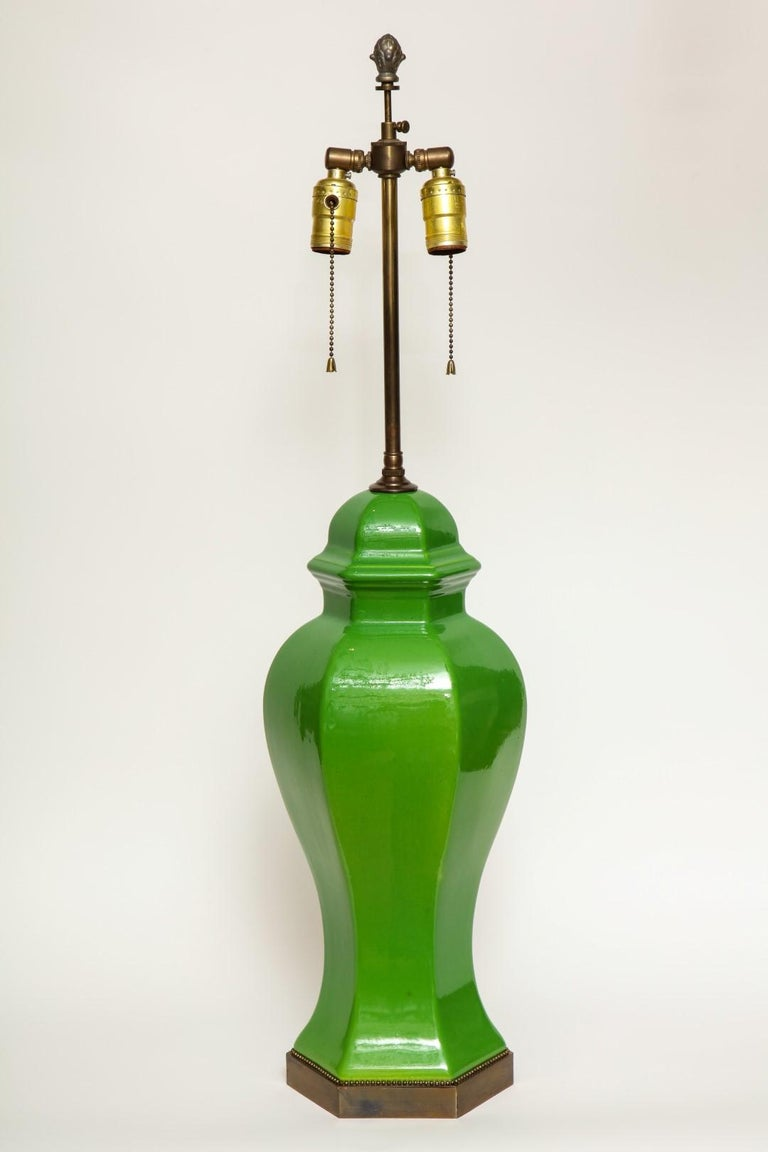 Mid-Century Modern Pair of Chinese Apple Green Glazed Urns Fitted as Lamps For Sale