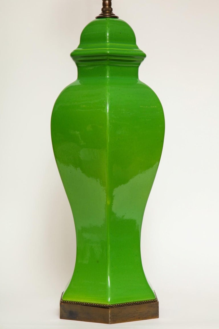 Pair of Chinese Apple Green Glazed Urns Fitted as Lamps In Excellent Condition For Sale In New York, NY