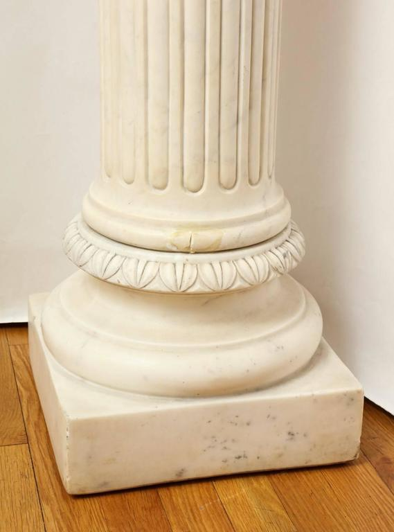 Early 20th Century A Marble Corinthian Capital Architectural Pedestal For Sale
