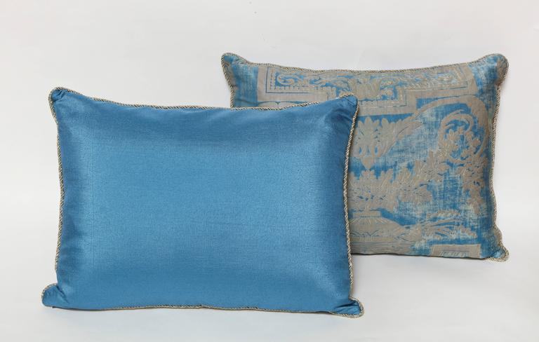 Contemporary Set of Three Fortuny Fabric Cushions in a Neoclassical Pattern For Sale