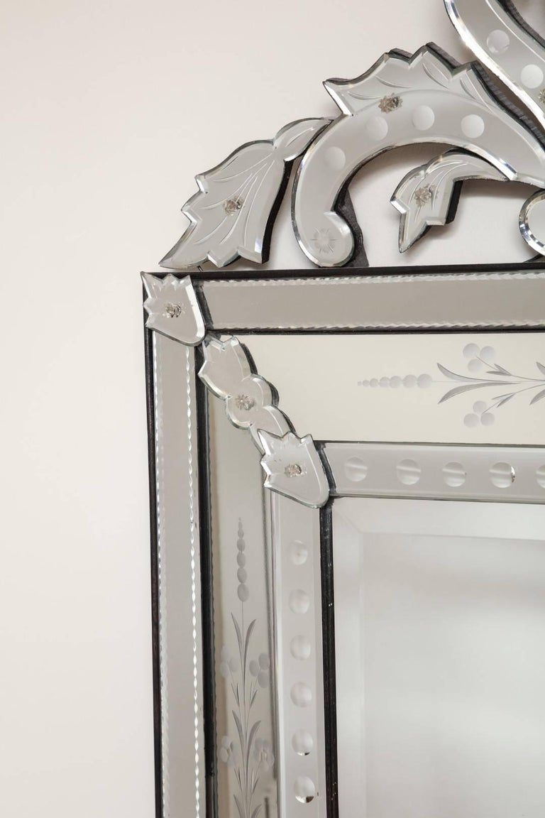 Venetian Etched Glass Mirror  In Excellent Condition For Sale In New York, NY