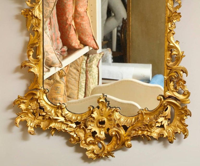 Italian Rococo Style Carved Giltwood Mirror For Sale