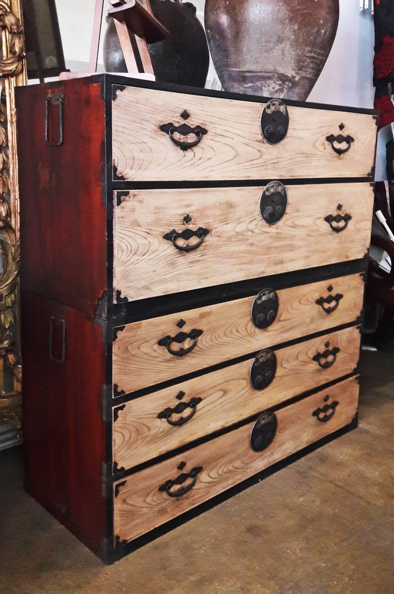 Tansu Chest from Japan, Showa Period, Mid-20th Century In Good Condition For Sale In New York, NY