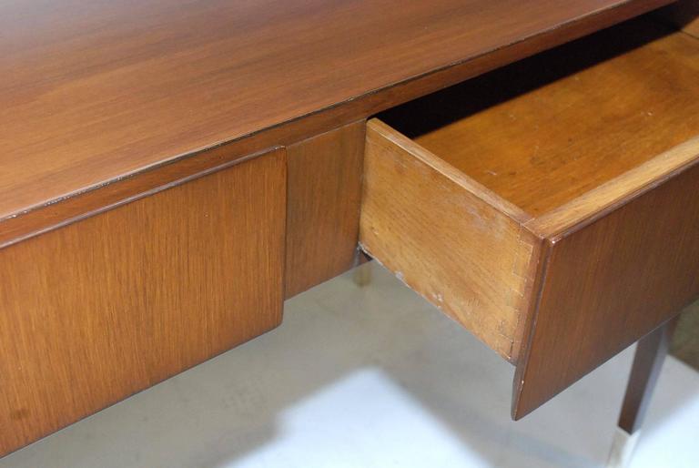 Rare Gio Ponti Desk In Good Condition For Sale In Los Angeles, CA