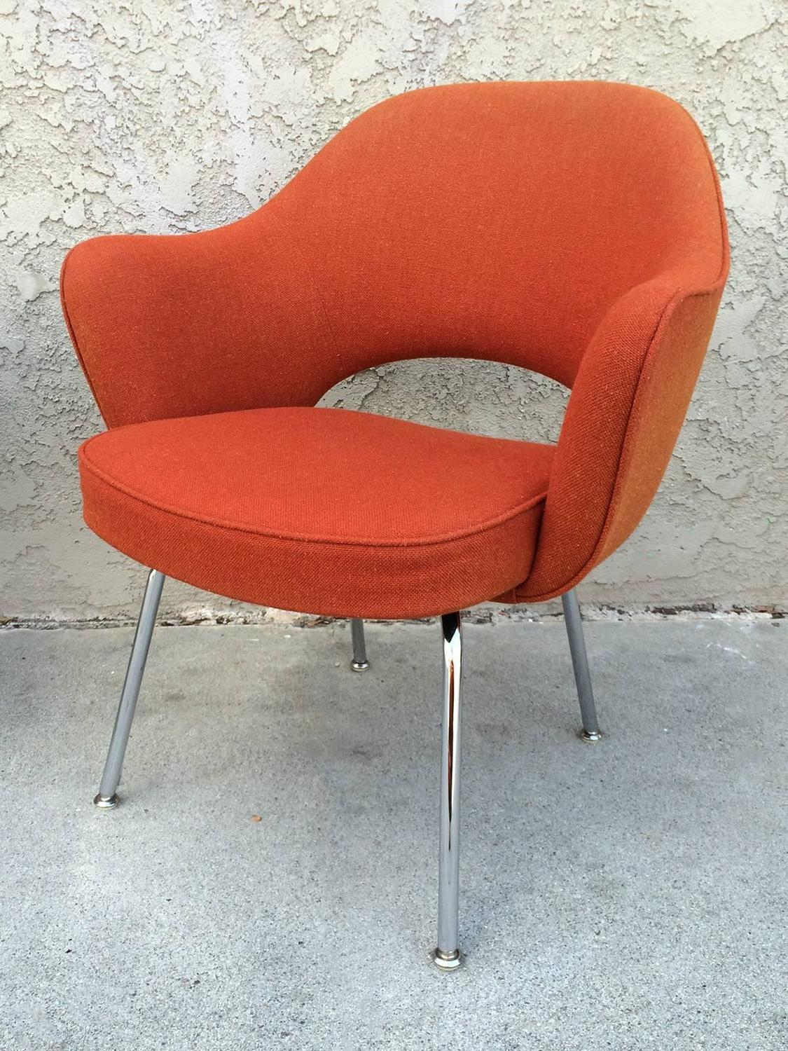 Pair Of Eero Saarinen Executive Chairs By Knoll At 1stdibs