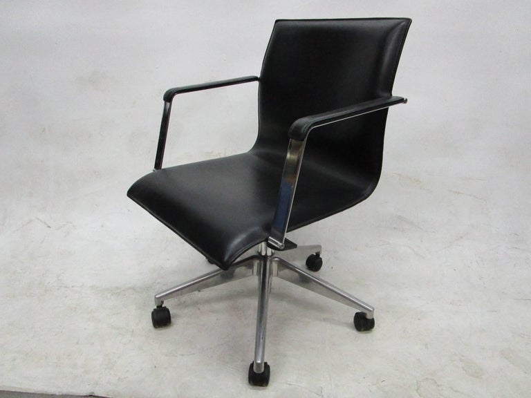 swivel and rolling french desk chair for sale at 1stdibs. Black Bedroom Furniture Sets. Home Design Ideas