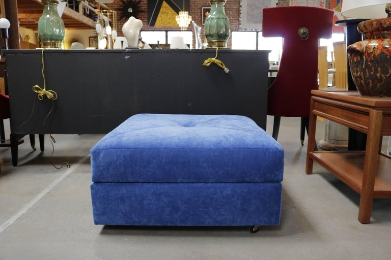 American Milo Baughman for James Inc. Furniture Two-Piece Settee For Sale