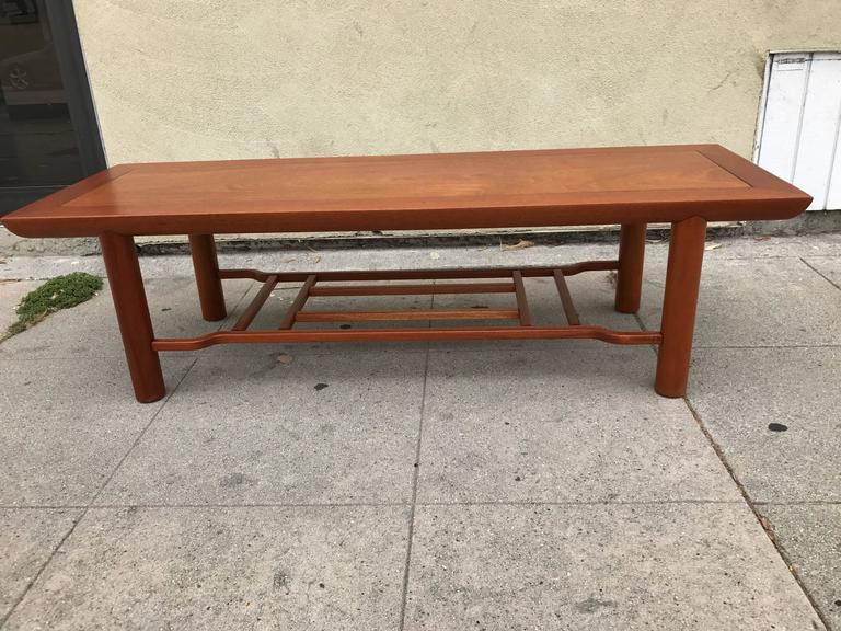 Mid Century Modern Mahogany Coffee Table By Heritage Henredon For
