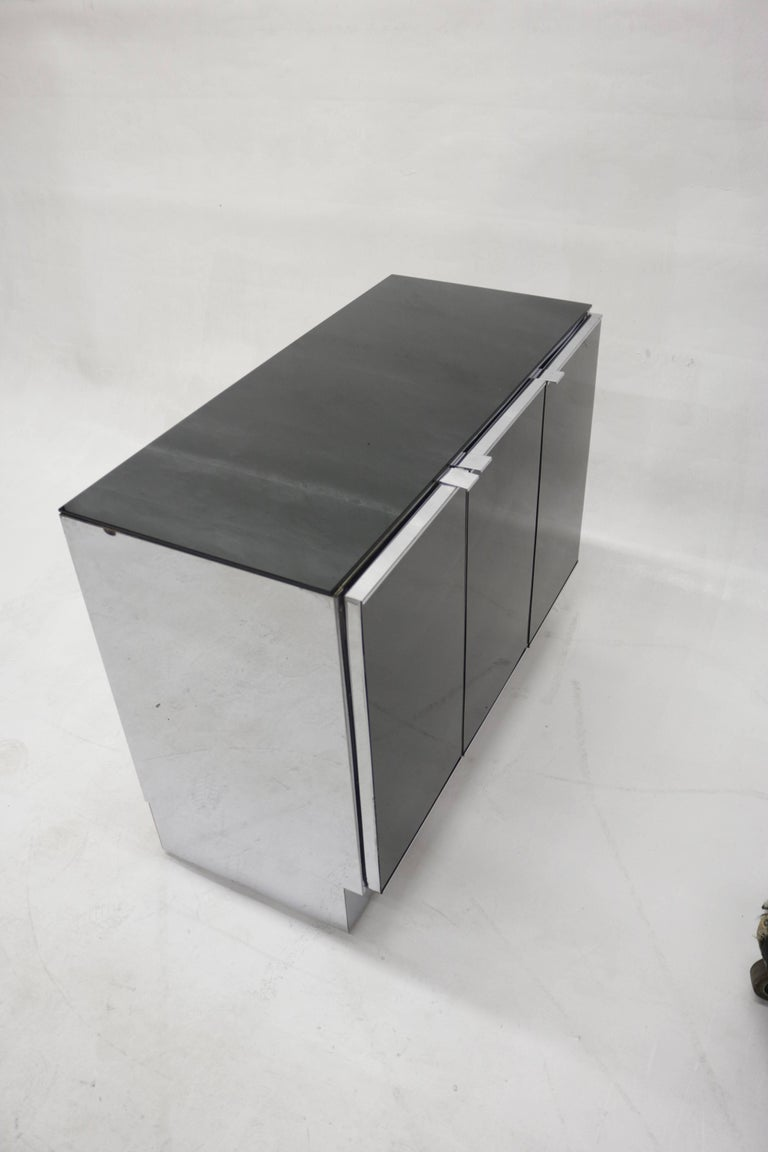 Mid-Century Modern Little Chrome and Black Opaline Glass Credenza by Milo Baughman For Sale