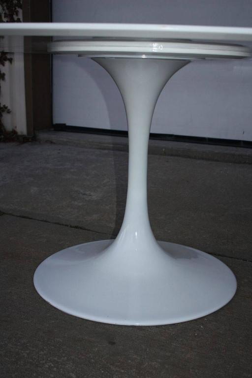 20th Century Contemporary High Gloss White Eero Saarinen Style Tulip Table  For Sale