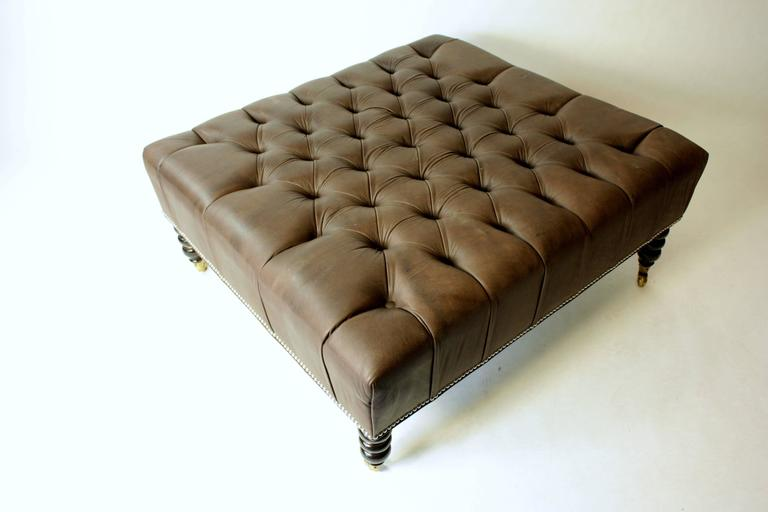 English Tufted Leather Ottoman In Excellent Condition For Sale In Southampton, NY
