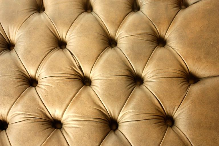 Late 20th Century English Tufted Leather Ottoman For Sale