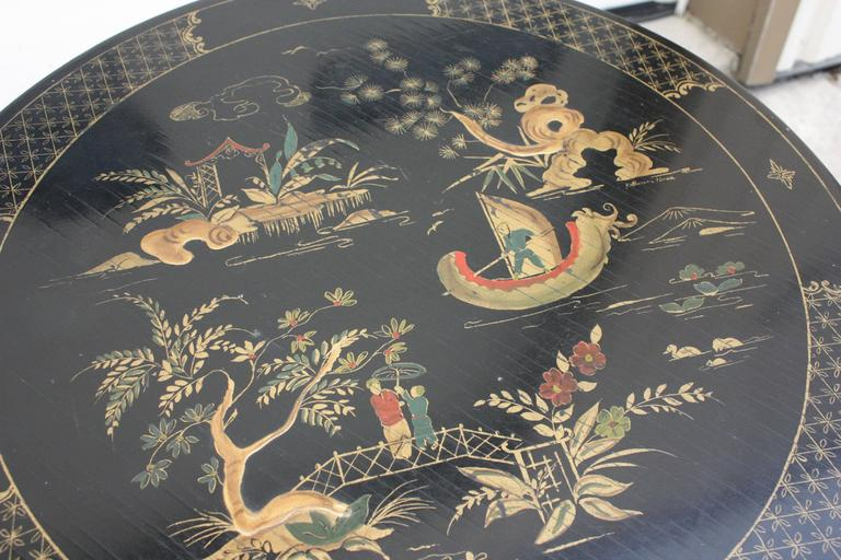 Absolutely stunning, hand-painted chinoiserie side table. Good condition, some minor repair work to be done, circa 1930s, United States of America.