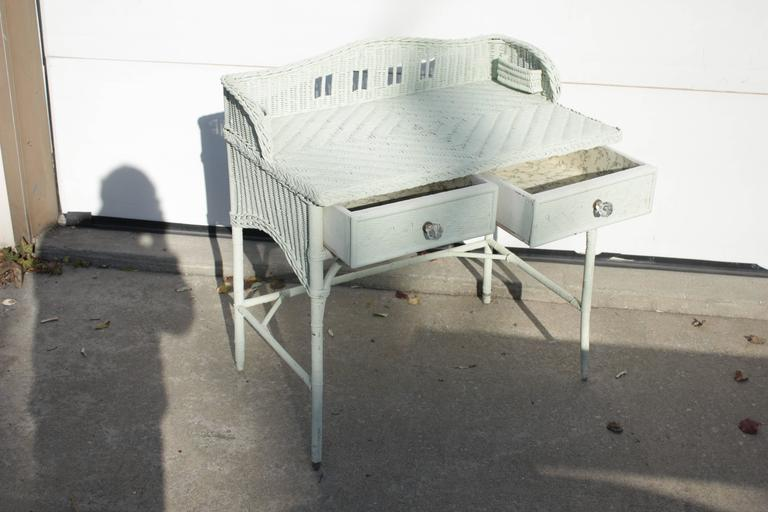 1930s English Seafoam Mint Two-Drawer Bent Leg Wicker Desk with Backsplash In Excellent Condition For Sale In Southampton, NY