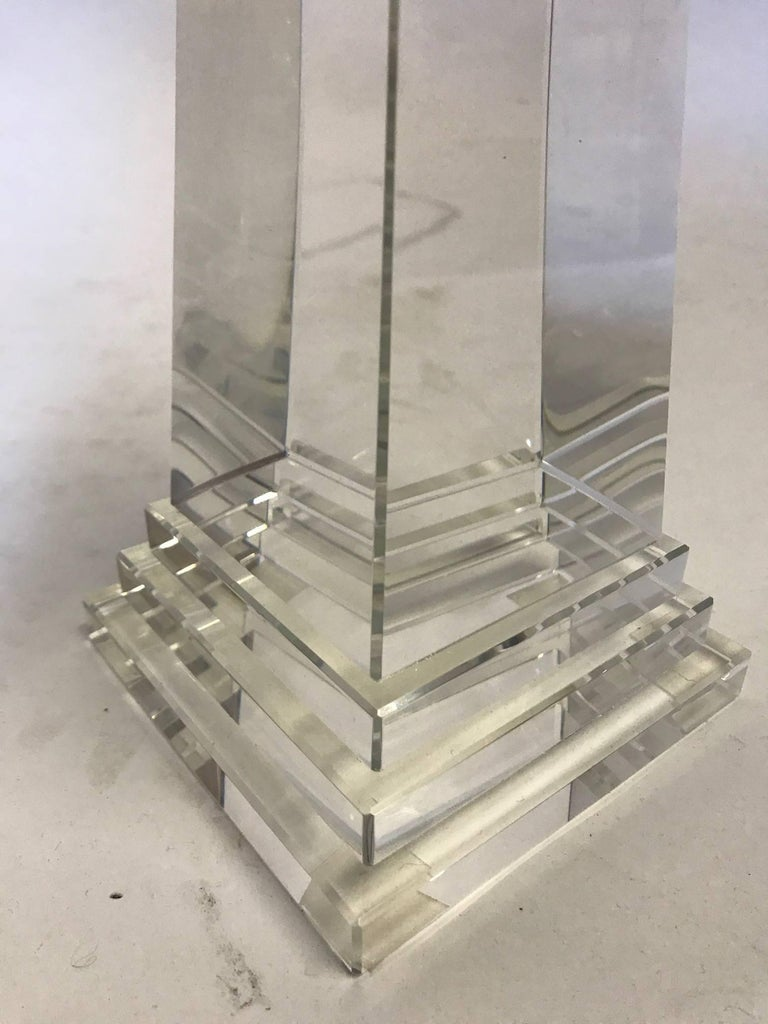 Beautiful Crystal Obelisk In Excellent Condition For Sale In Southampton, NY
