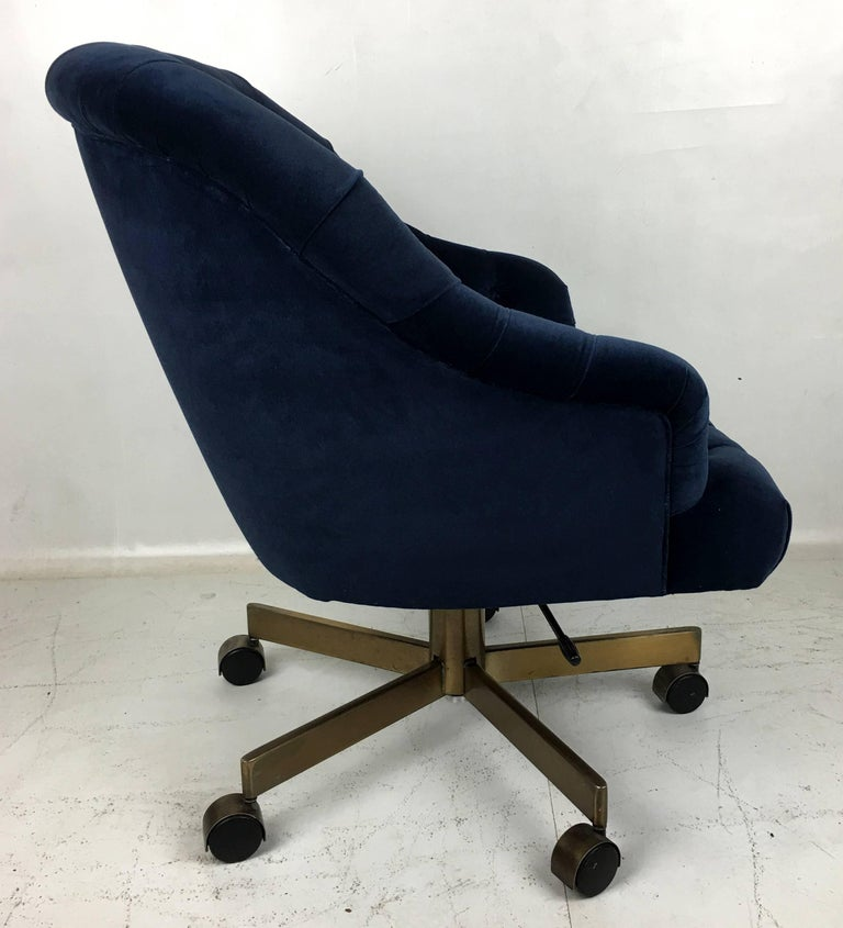 American Tufted Velvet Executive Swivel Chair by Edward Wormley for Dunbar For Sale