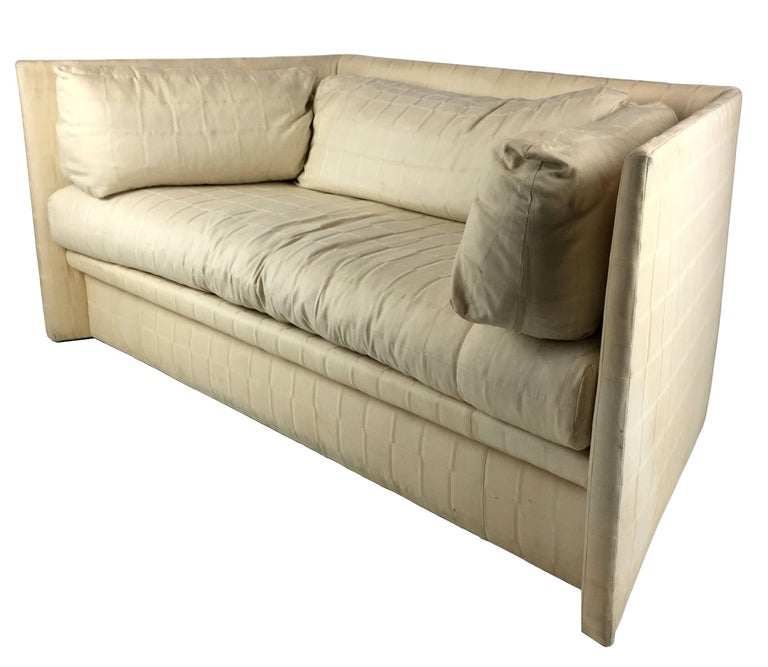 Angled Sides Sofa by John Saladino for Baker In Good Condition For Sale In San Leandro, CA