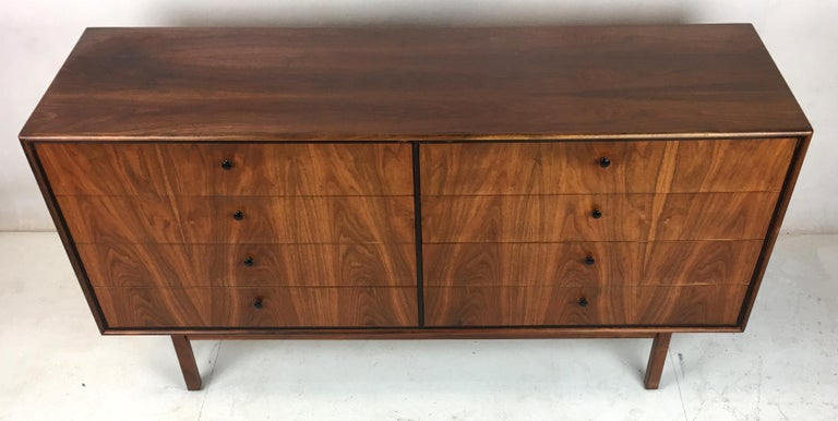 Mid-Century Modern Exquisite Walnut Dresser by Jack Cartwright for Founders For Sale