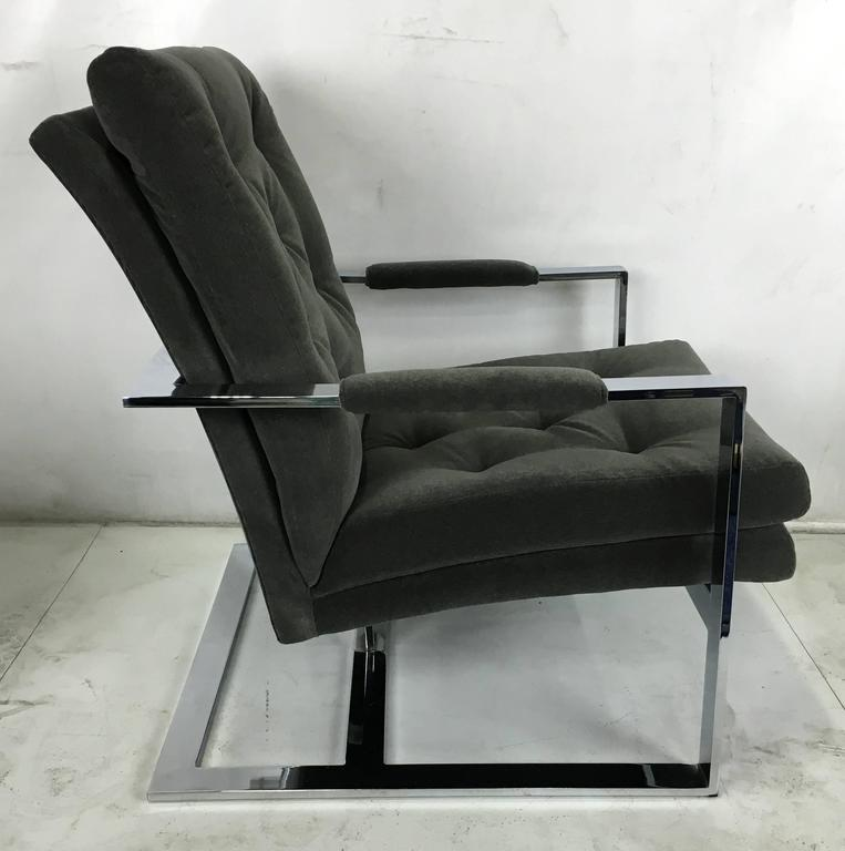 American Pair of Rare Cantilevered Lounge Chairs by Milo Baughman For Sale