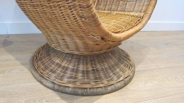 American Large Egg Shape Swivel And Tilt Rattan Chairs For Sale