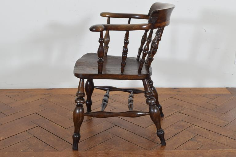 George IV English Turned Chestnut Windsor Chair, 19th Century For Sale