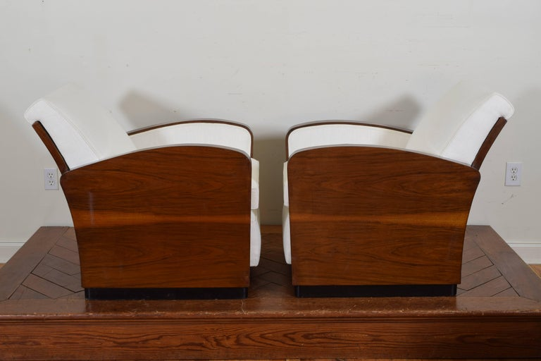 Linen Pair of Italian Art Deco Walnut Veneer and Upholstered Club Chairs, 20th Century For Sale