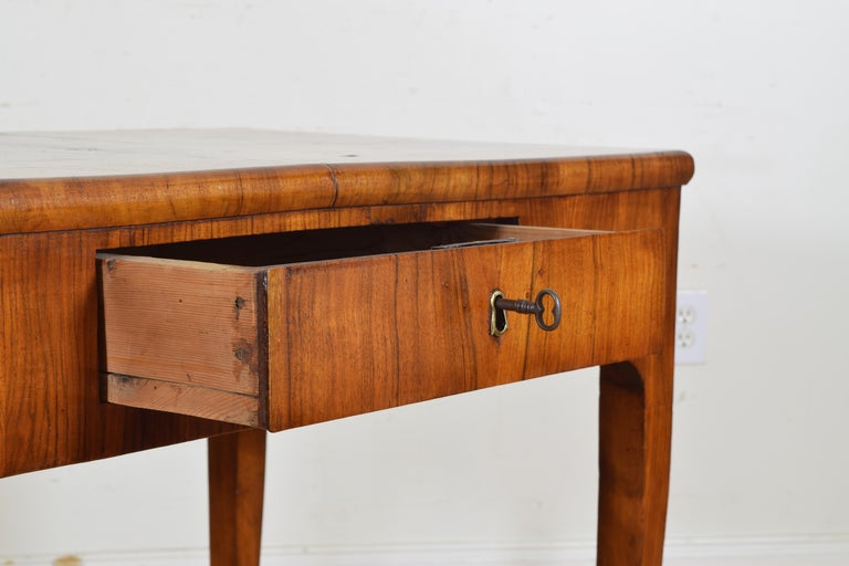 Late 18th Century Italian, Veneto, Louis XVI Walnut Veneered One-Drawer Writing Table, circa 1780 For Sale