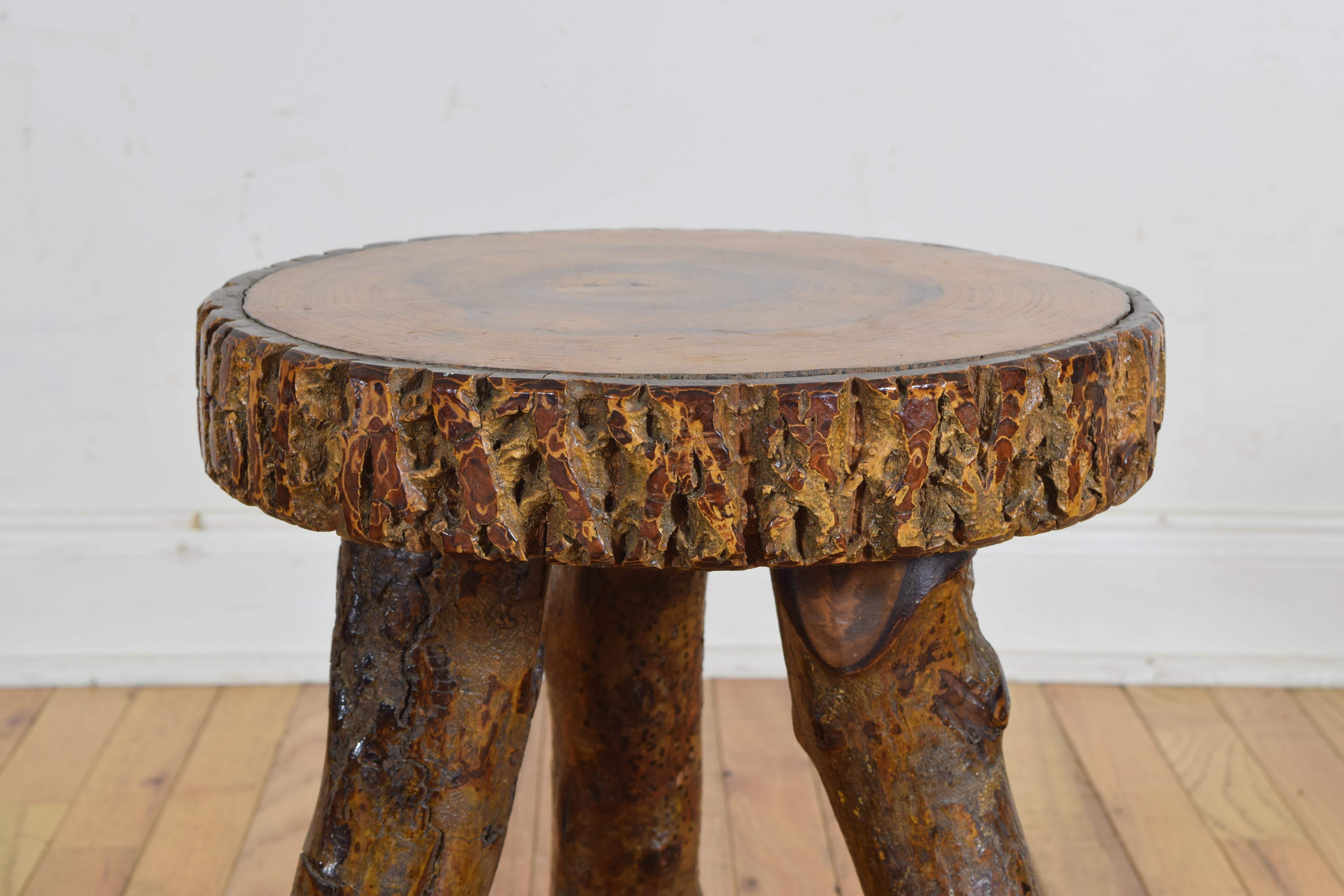 Merveilleux Continental Rustic Side Table, Top Cross Section Of Timber, 20th Century In  Excellent Condition