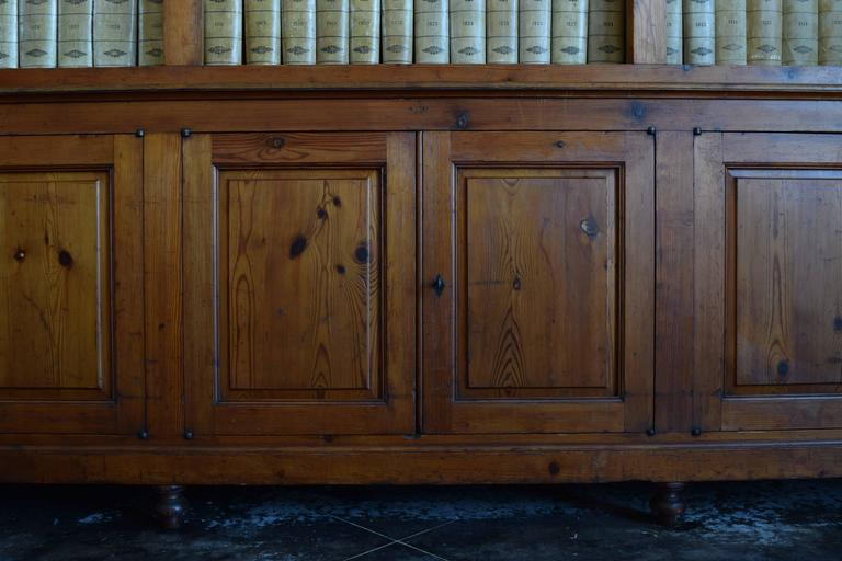 Italian circa 1870 Large Bookcase in Chestnut, Open Shelves and Locking Cabinets In Excellent Condition For Sale In Atlanta, GA